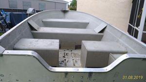 14ft 14 ft Lowe V Haul Hull Jon John Bass Duck Aluminum Boat Skiff for Sale in Deerfield Beach, FL