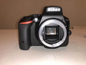 Nikon D5500 with two lenses for Sale in Burtonsville, MD