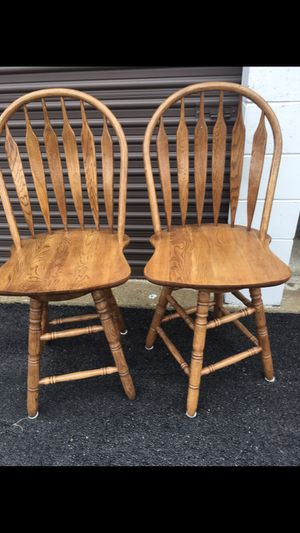 Like new two swivel counter height stools for Sale in Carpentersville, IL