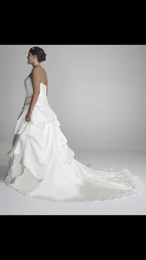 Wedding dress size 18 for Sale in Wilson, NC
