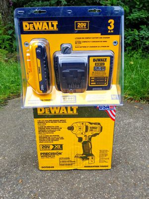 """DeWalt 20 Volt XR Brushless COMPACT 1/2"""" Mid Range Impact Wrench Kit With Slim 3.0 Battery & Charger for Sale in Tacoma, WA"""