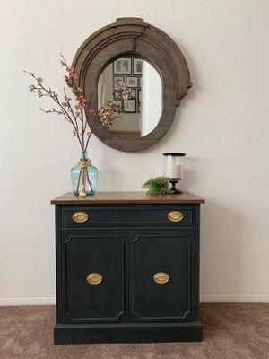 Refurbished entryway cabinet for Sale in Temecula, CA