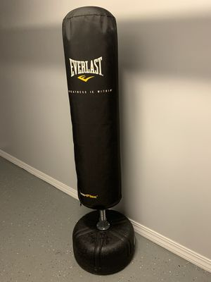 EVERLAST PUNCHING BAGS for Sale in New York, NY
