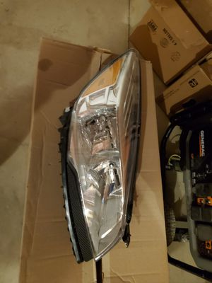 13 thru 16 Escape OEM Genuine Ford Parts Halogen Head Lamp Light Passenger RH for Sale in Cheswick, PA
