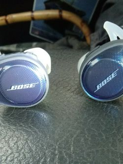 Bran New Bose Ear Buds for Sale in Portland,  OR