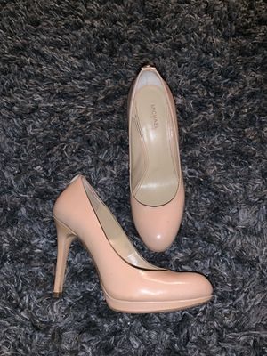 Michael Kors size 6 1/2 ivory heels for Sale in Palmdale, CA