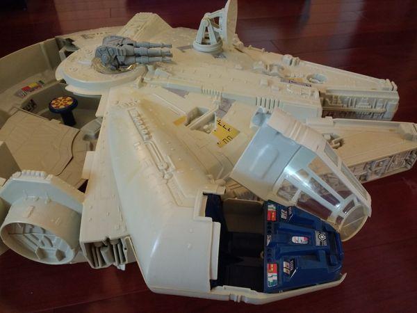 Vintage 1979 Star Wars Millennium Falcon