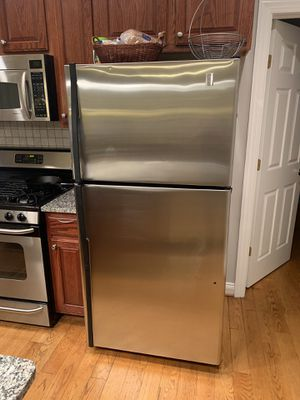 GE refrigerator excellent condition for Sale in Washington Grove, MD