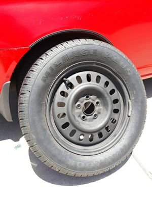 *Excellent* 16 inch wheel tire ...........P215/60r16 for Sale in Whittier, CA