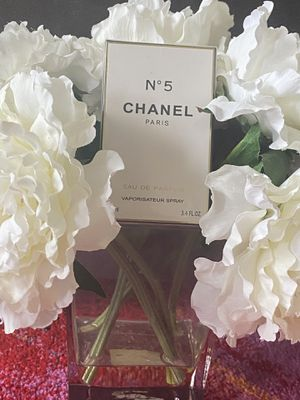 Brand New 3.4oz Chanel No. 5 Perfume for Sale in Brooklyn, NY
