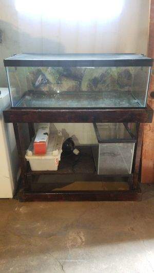 35 gal tank with stand. & 20 gal tank for Sale in Pittsburgh, PA