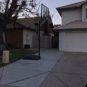 Atlas Basketball Hoop for Sale in Mesa, AZ