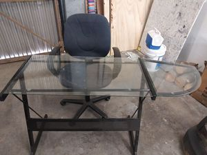 DESK AND CHAIR COMBO!! for Sale in Corona, CA