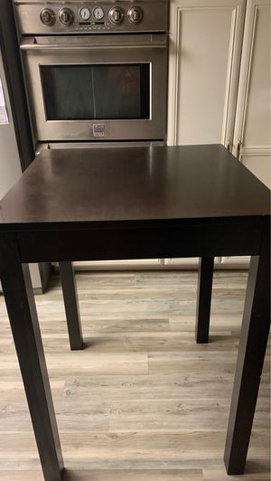 Brown leather Bristol tall kitchen/ dining table an 4 chairs for Sale in Bakersfield, CA
