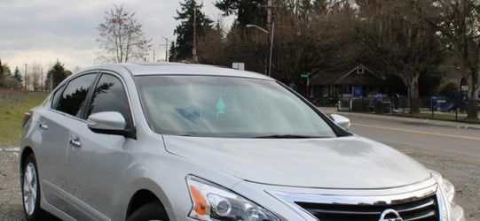 2014 Nissan Altima (Low miles Clean Title) for Sale in Kent,  WA