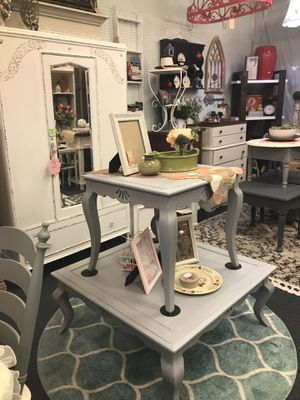 2 pc set gray coffee table with matching said table located inside vintage holes 803 w roseburg Ave Modesto ca Open 10-5 sundays 11-4 for Sale in Salida, CA