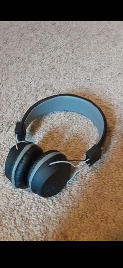 Bluetooth headphones for Sale in Puyallup,  WA