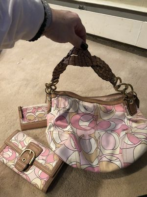 Coach handbag with matching wallet & wristlet for Sale in Smithtown, NY