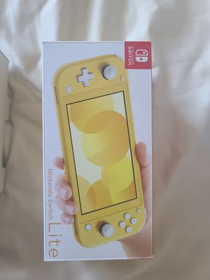 Nintendo Switch Lite! Yellow! Like new! Pick up only! Prices are Firm! for Sale in Grand Terrace, CA