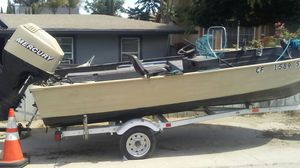 Aluminum boat pink in hand for Sale in Antioch, CA