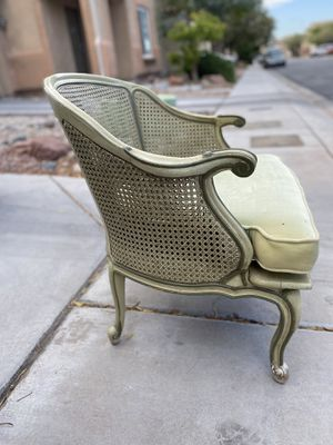 Antique Wicker Chair (has damage) for Sale in Las Vegas, NV