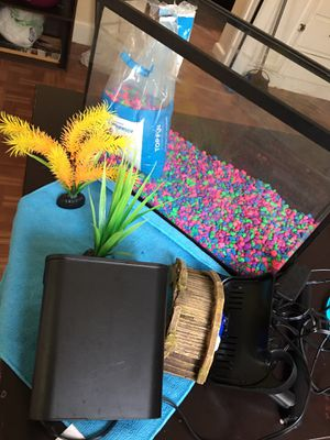 Fish tank with filter & accessories for Sale in Chicago, IL