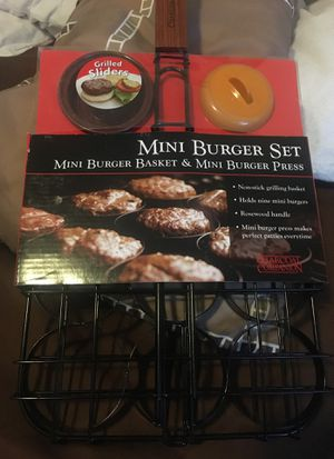 Charcoal companion mini burger set for Sale in Bonney Lake, WA