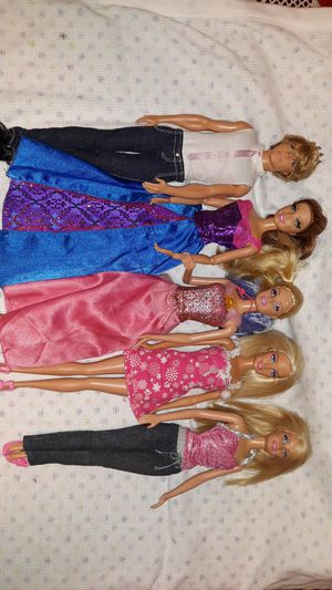 4 barbie's one ken $18.00 for Sale in Federal Way, WA