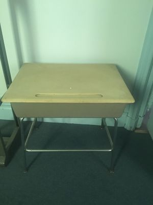 Kids desk for Sale in Pittsburgh, PA