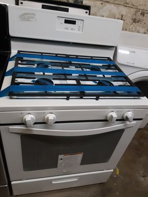 WHIRLPOOL GAS STOVE WORKING PERFECTLY 4 MONTHS WARRANTY for Sale in Baltimore, MD