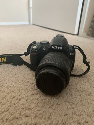 Nikon d3000 - great condition for Sale in San Diego, CA