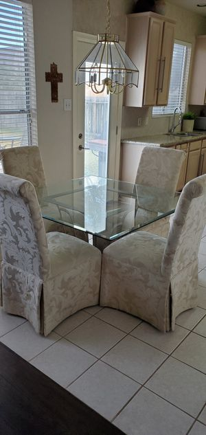 Dining/Breakfast Glass table and 4 chairs for Sale in Houston, TX