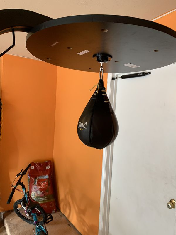 Boxing bag with stand and speed bag