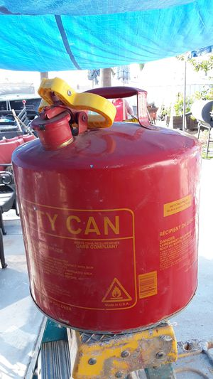 Safety can 5 gallon for Sale in Moreno Valley, CA