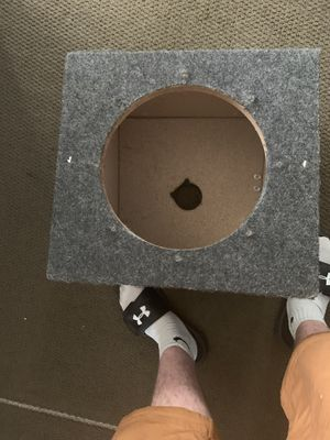 12 in speaker box for Sale in Columbus, OH