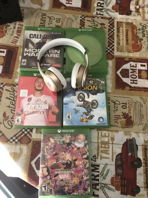 Xbox games w/ Beats solo 3 for Sale in Houston, TX