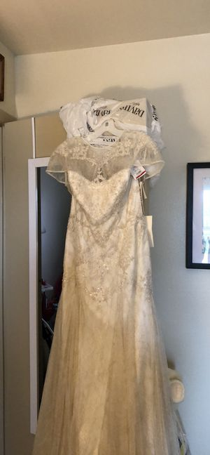 Brand New, Never Worn Melissa Sweet Wedding Dress for Sale in Pekin, IL