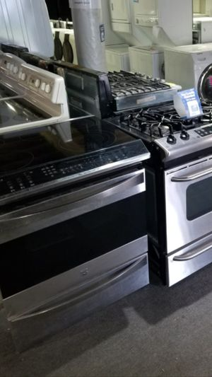 Like new. appliances refrigerator* washer* Dryer* stackable * Diswasher*stove financing available 21639 pacific hwy S Des Moines wa*\🐥 for Sale in Seattle, WA