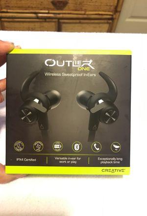Outlier one, Wireless Bluetooth/ sweatproof headphones-ear buds for Sale in Fresno, CA