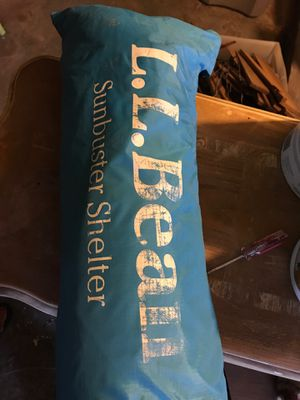 Llbean Sunbuster Shelter beach tent for Sale in Winthrop, MA