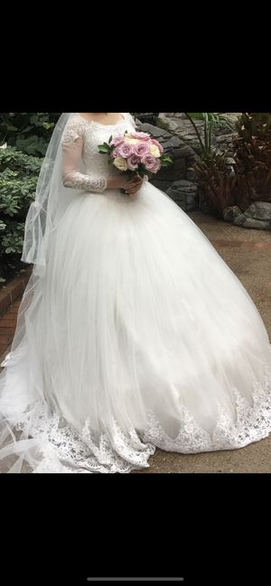 Wedding dress size 6 to 7 for Sale in Brentwood, TN