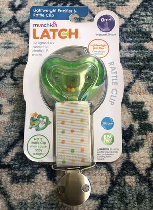 New Munchkin Latch Baby Pacifier Lightweight and has removable rattle clip 0+ months for Sale in West Hollywood, CA