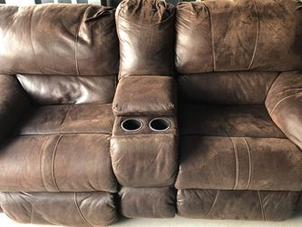 Beautiful Brown Leather Reclining Couch | FREE DELIVERY for Sale in Bridgewater,  MA