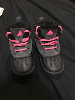 Girl Nike Boots Size 7c for Sale in Lawrence, MA