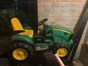 John deer riding tractor for Sale in Houston, TX