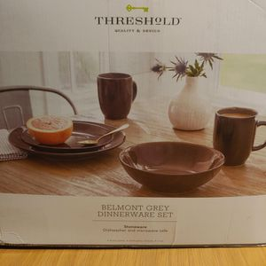 Threshold Dinnerware for Sale in Merced, CA