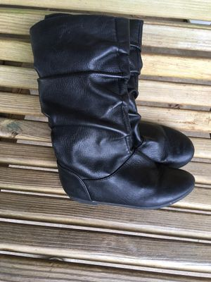 Size 11 girls boots for Sale in Mayfield, KY
