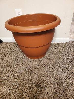 Large size Flower pot for Sale in Montpelier, MD