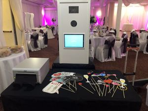 Photo booth rental for Sale in Hialeah, FL