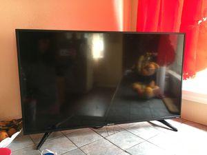 Hisense Roku Tv. 40 inch. for Sale in Bellflower, CA